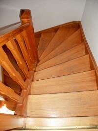 Escalier demi tour en chêne, balustre avec congés dans trémi de 1.8 x 1.8 m