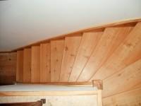 Escalier encloisonné 1 quart tournant en mélèze